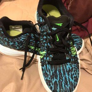 Nike lunaracer size 6.5 women